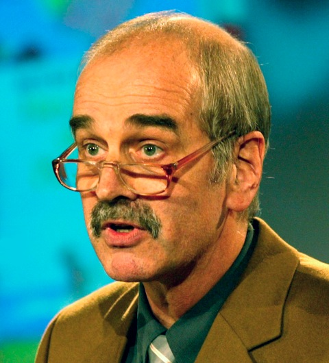 Rüdiger Steinlein bei der Verleihung des Sonderpreises des Deutschen Jugendliteraturpreises 2004 an Benno Pludra, Foto © AKJ / Jochen Günther
